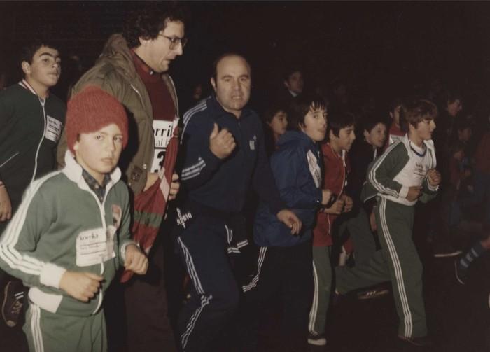 Pedro Miguel Etxenike Hezkuntza sailburua, 1981. urtean, Gasteizen. SANCHO EL SABIO FUNDAZIOA