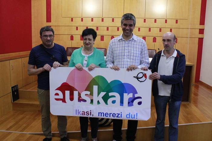 Euskara ikastaroetarako deialdia egin du Gasteizko Udalak