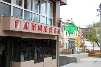 Farmazia zerbitzu iraunkorra eskatzeko 3.000 sinaduratik gora jaso dituzte