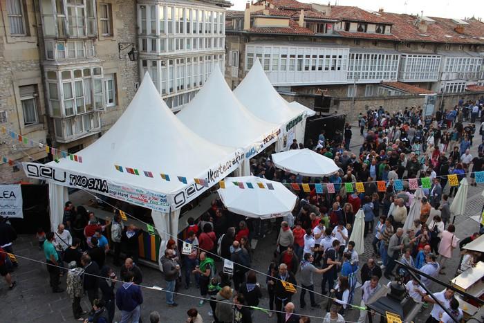GEU txosnak hamaika egunez girotuko du Gasteizko Aihotz plaza