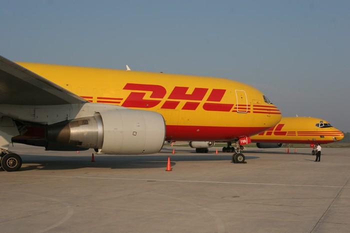 DHL Arasurreko langileek lan baldintzak hobetzea eskatu dute
