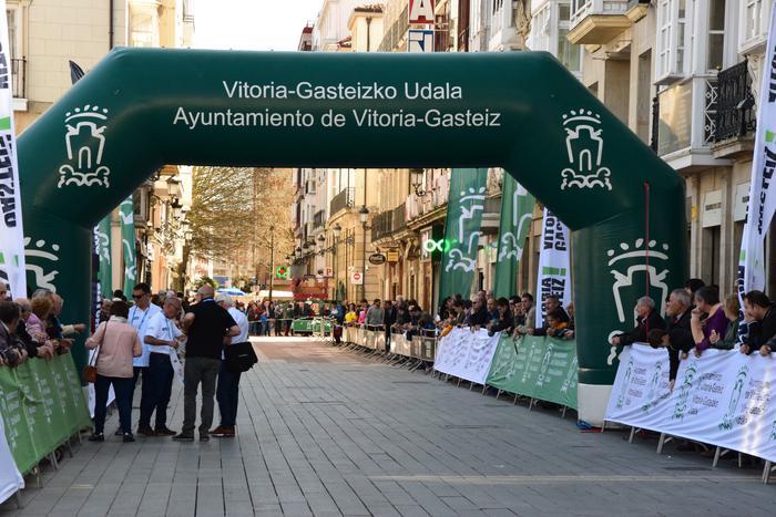 Gasteizen abiatu da Euskal Herriko Itzuliaren gaurko etapa  - 11