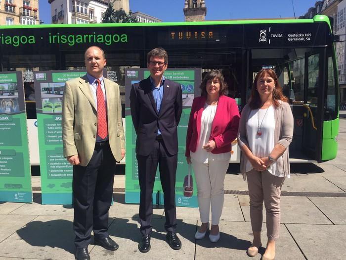 Autobus berriak estreinatu ditu Gasteizek