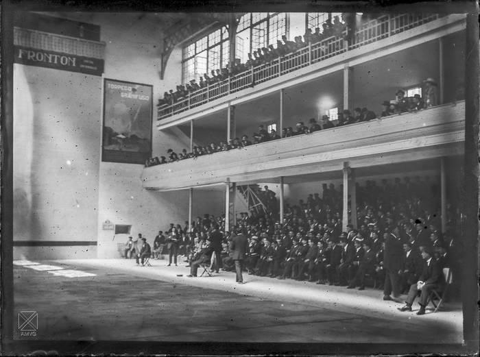 Frontoi zaharra, 1920 urtean. B.Sobrado/ gasteizko udal artxibategia