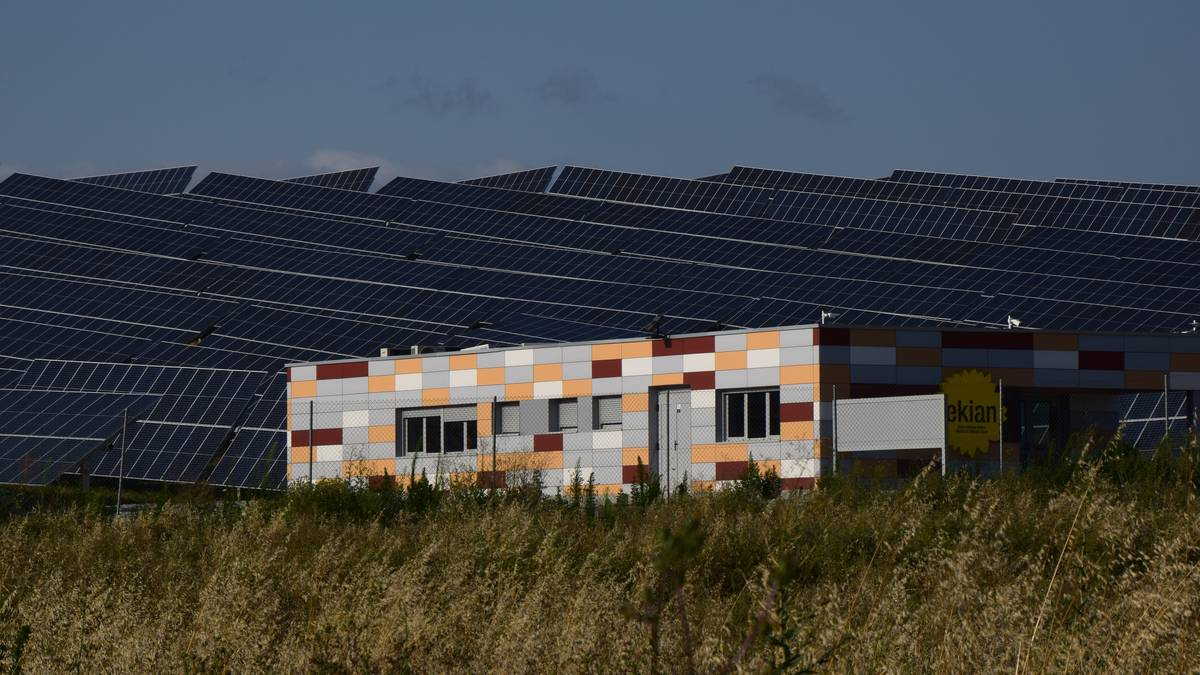 Enargi sozietate publikoa sortu du Diputazioak, energia berriztagarriak sustatzeko