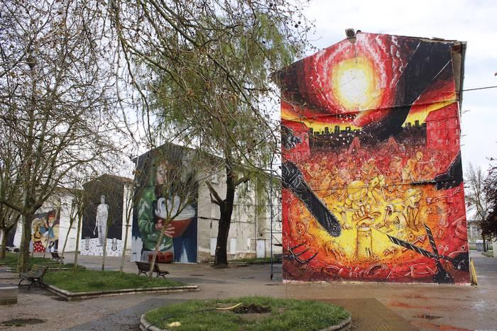 Kutsu artistiko eta politikoko muralen atzetik