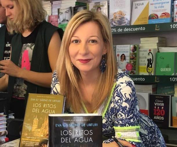 Planeta saria irabazi du Eva Garcia Saenz de Urturik
