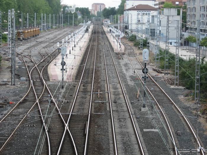 Burgos eta Gasteiz arteko AHTaren proiektua aldatu egingo du Madrilek