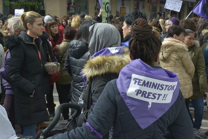 Milaka emakumek egin dute bat borroka feministarekin  - 54