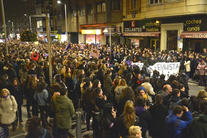 Borroka feministak gainezka egin du Gasteizko kaleetan - 15