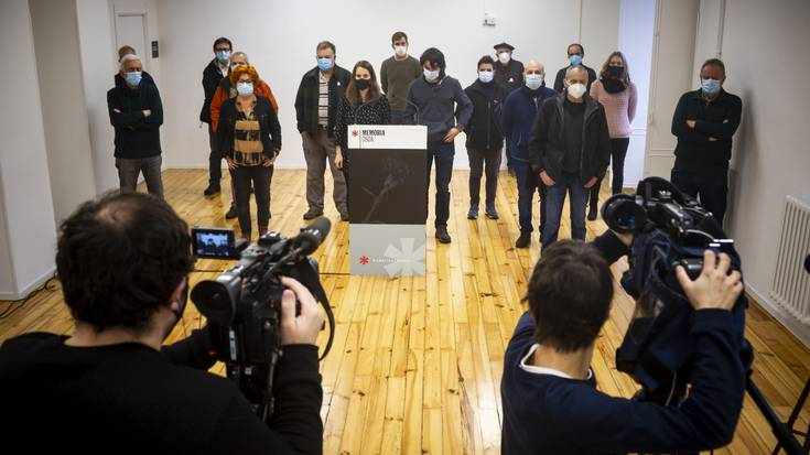 """Memoria eragileek Terrorismoaren Biktimen Zentroaren eredu """"diskriminatzailea"""" arbuiatu dute"""