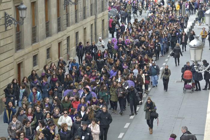 Milaka emakumek egin dute bat borroka feministarekin  - 25
