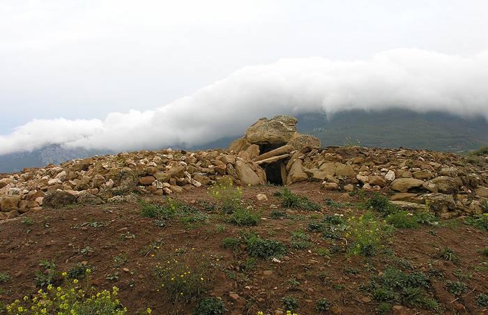 Arabako Errioxako aurkikuntza arkeologikoak gidaliburu batera eraman dituzte