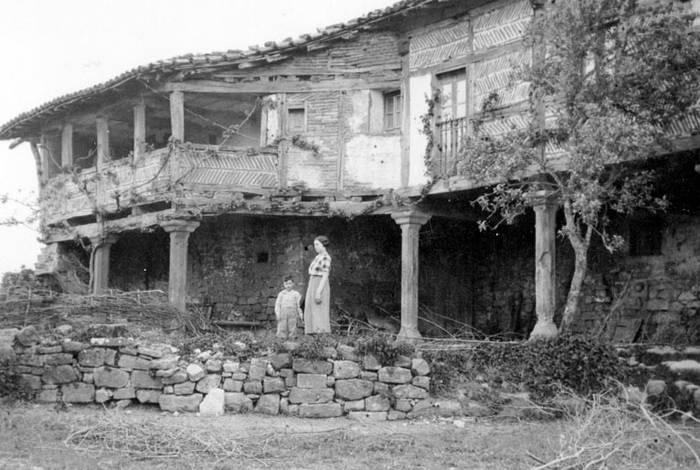Barrundiako historia eta  usadioak bildu dituzte