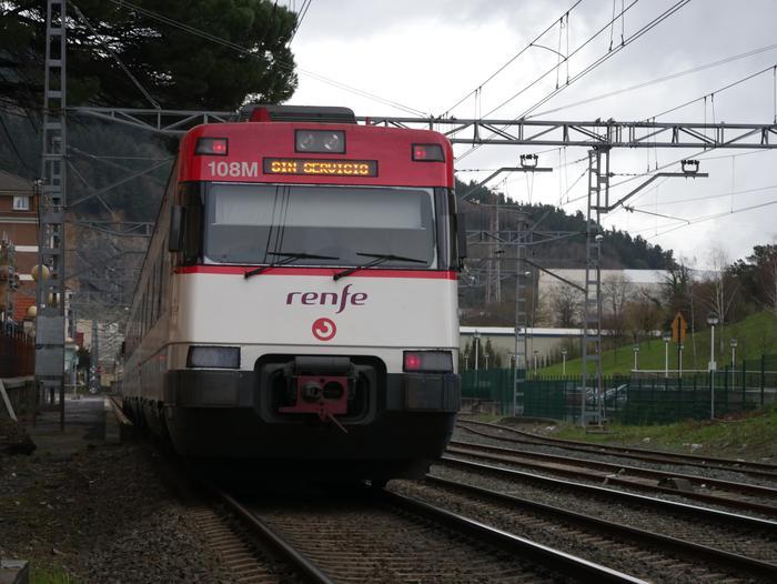 Aiaraldeko tren zerbitzuaren gabeziak konpontzeko Aldundiaren inplikazioa eskatu du EH Bilduk