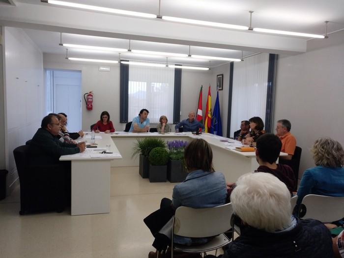 Frankistek hildako langraiztarren senideek sumindura agertu dute PSOE eta PPrekin