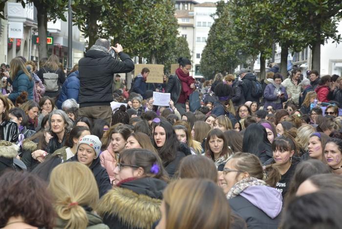 Milaka emakumek egin dute bat borroka feministarekin  - 50