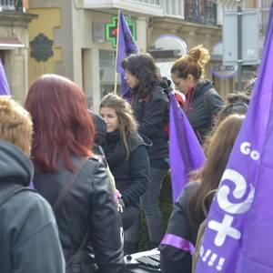 Milaka emakumek egin dute bat borroka feministarekin