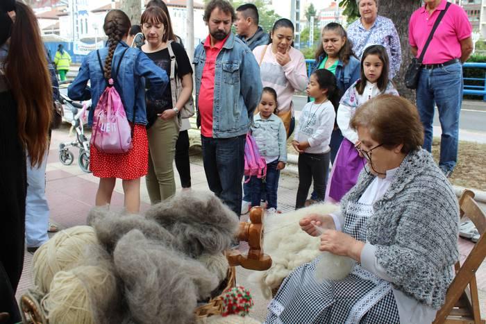 Emakume nekazari eta abeltzainen lana eskertuko dute Santiago egunean