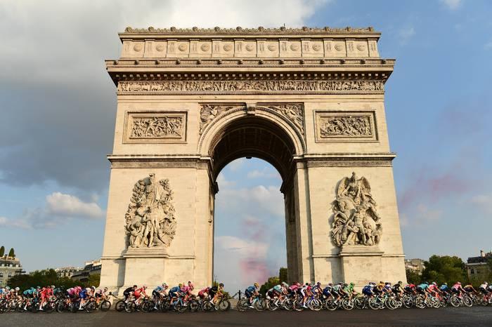 Sam Bennett gezi berdea Parisen