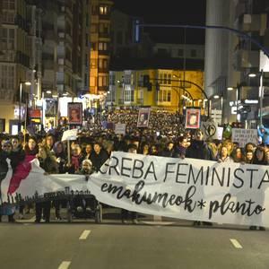 Borroka feministak gainezka egin du Gasteizko kaleetan
