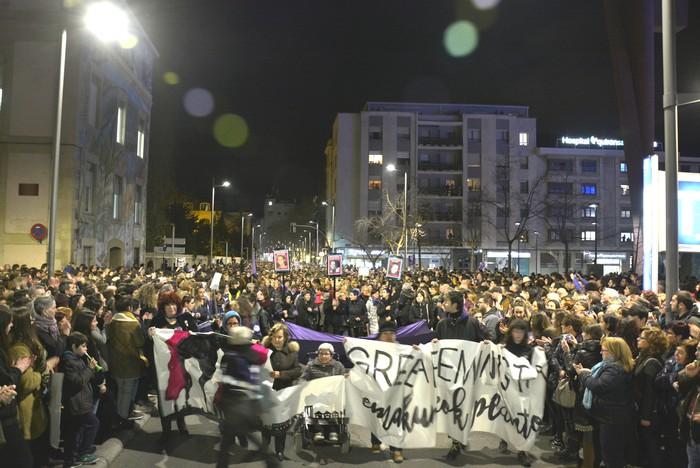 Borroka feministak gainezka egin du Gasteizko kaleetan - 16