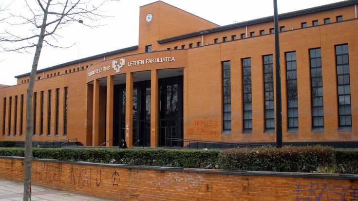 Letren Fakultatean izandako erasoa ikertzen ari da Ertzaintza