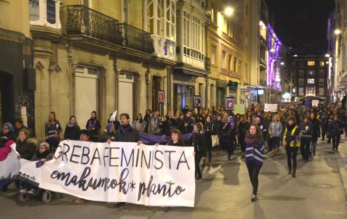 Borroka feministak gainezka egin du Gasteizko kaleetan - 18