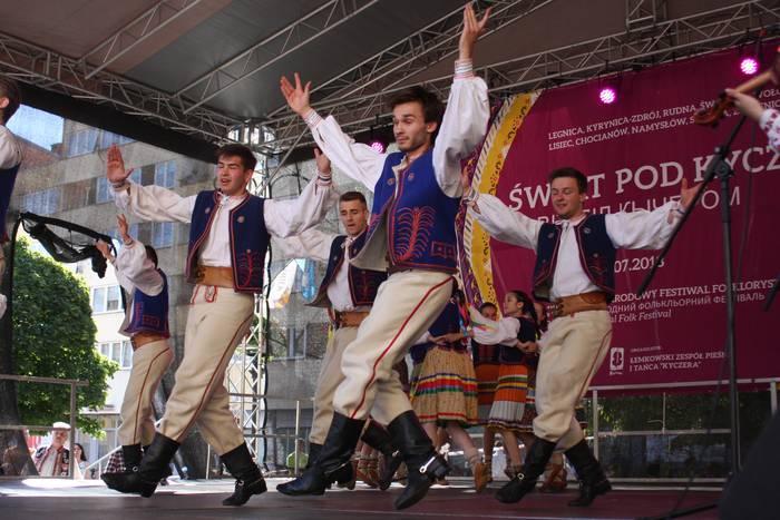 Poloniako Legnicako nazioarteko dantza jaialdian da Indarra taldea