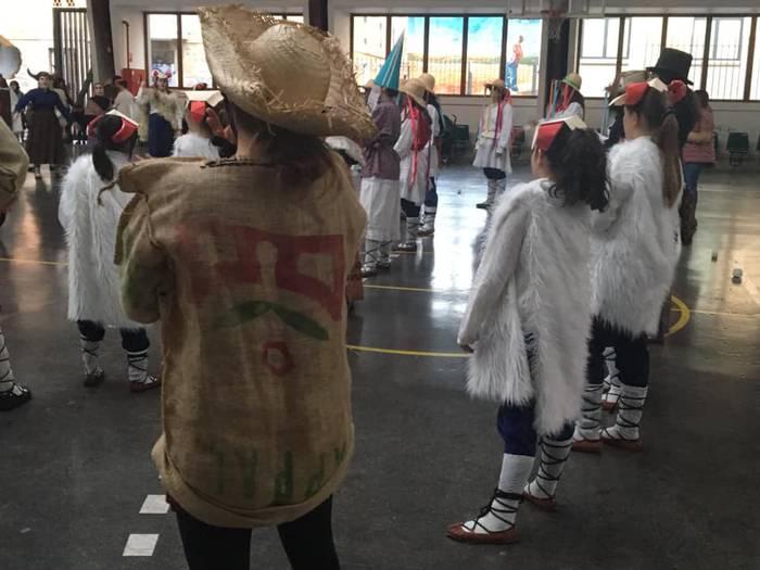 Indarra Euskal Kultur Elkartea, 40 urtez Gasteizko ihauteriak musikaz eta dantzaz blaitzen