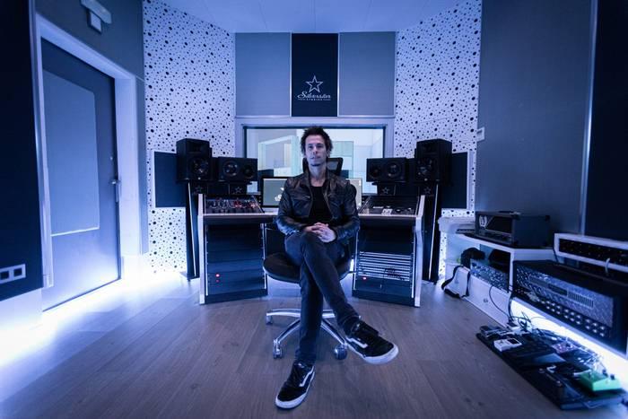 Silverstar Studios, erresonantzien espazioa
