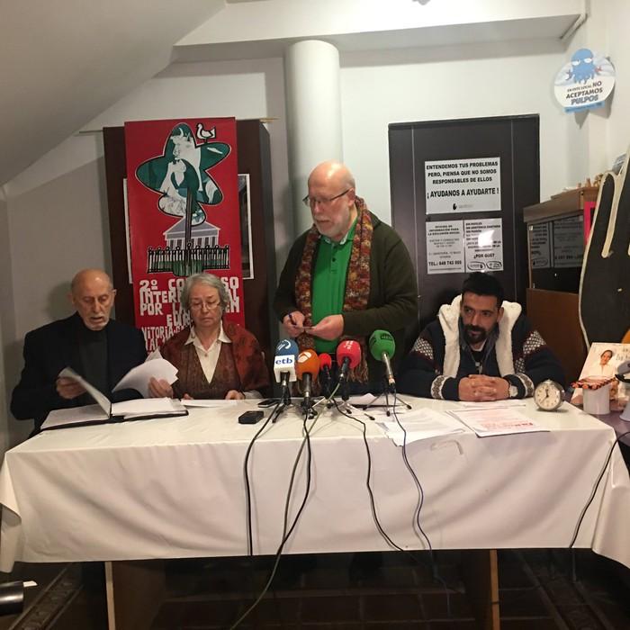 Manzanares Cortes familiak jasandako tratua ikertzeko eskatuko diote Europako Batasunari