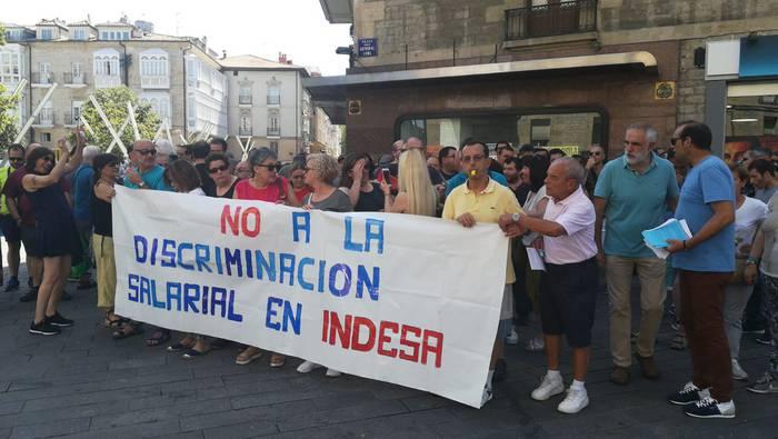 Protestak hasi dituzte Indesako langileek