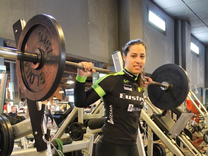Tania Calvo gasteiztarrak irabazi du pistako txirrindularitzako Munduko Kopa