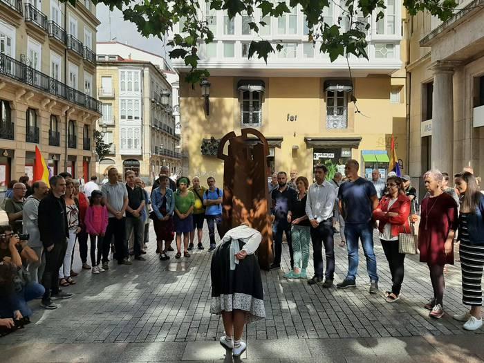 """""""Biktima guztientzako erreparazioa"""" eskatu dute Gasteizen"""