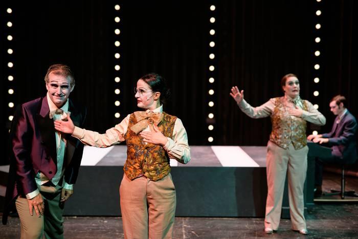 Kabareta euskaraz: 'Simplicissimus', Tartean teatroa