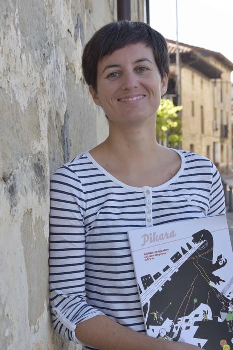 June Fernandez, Espejon hitzaldia eman baino lehen. E.U