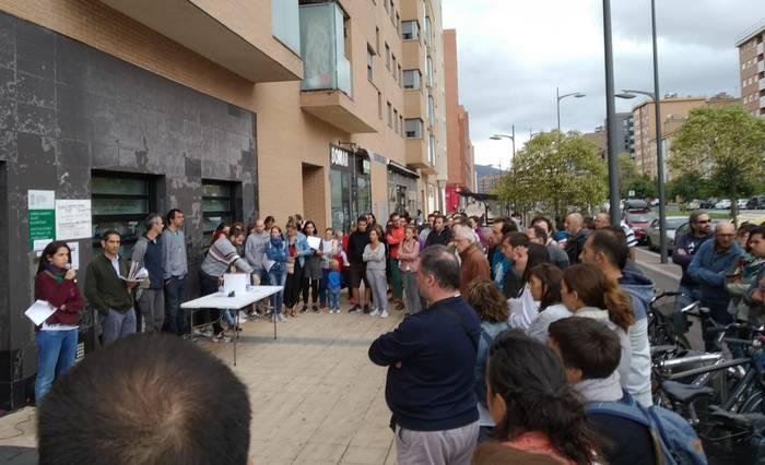 Trenaren lurperatze proiektua geldiarazteko 2.000 alegazio baino gehiago jaso ditu Gasteiz Batu plataformak