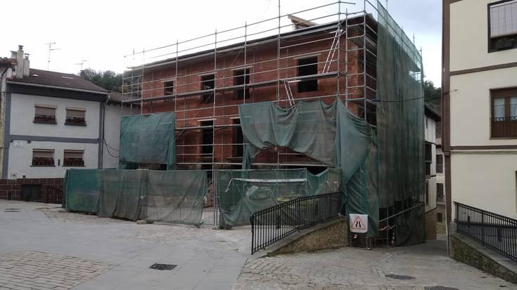 Ostatu turistiko bat eraikitzen ari dira Gesaltza-Añanan