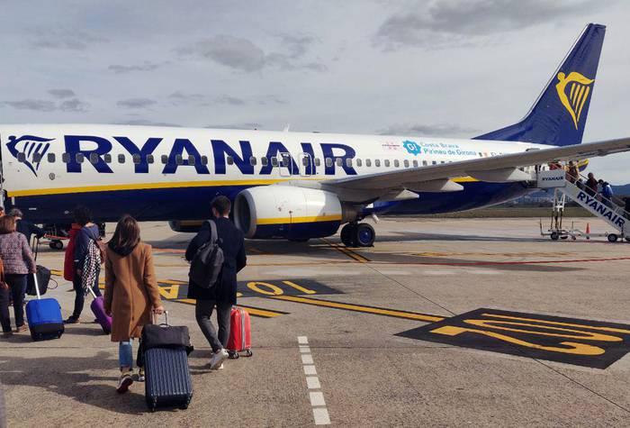 Ryanair-eko langileen grebak Forondako 30 hegaldi inguruan izan dezake eragina