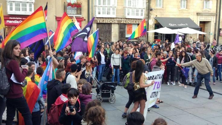 Aurrekontuetan LGTBI politiken murrizketa saihesteko ekarpenak aurkeztu ditu Lumagorrik