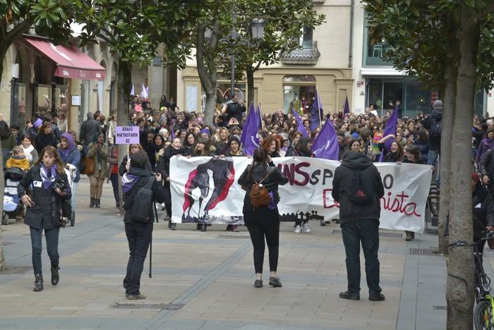 Milaka emakumek egin dute bat borroka feministarekin  - 35