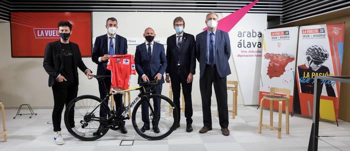 Espainiako Vuelta Arabara itzuliko da Gasteiztik irtengo den etapa batekin