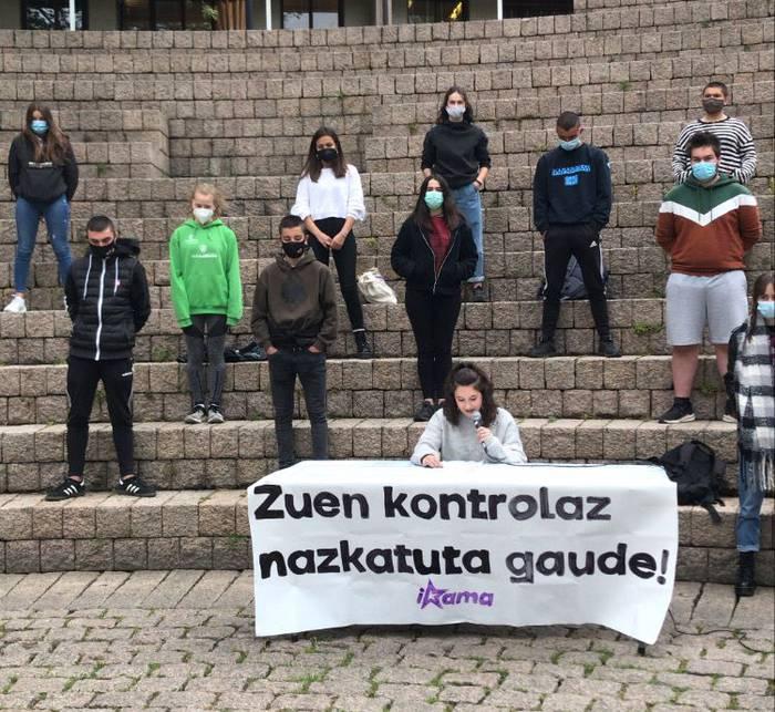 """Gasteizko ikasle mugimenduaren aurkako """"jazarpen poliziala"""" salatu du Ikamak"""