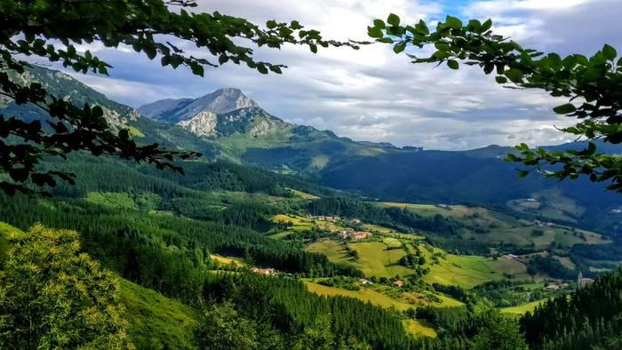 Gorbeialdea: Natura, aisia, gastronomia eta tradizioa uztartzen dituen paradisua