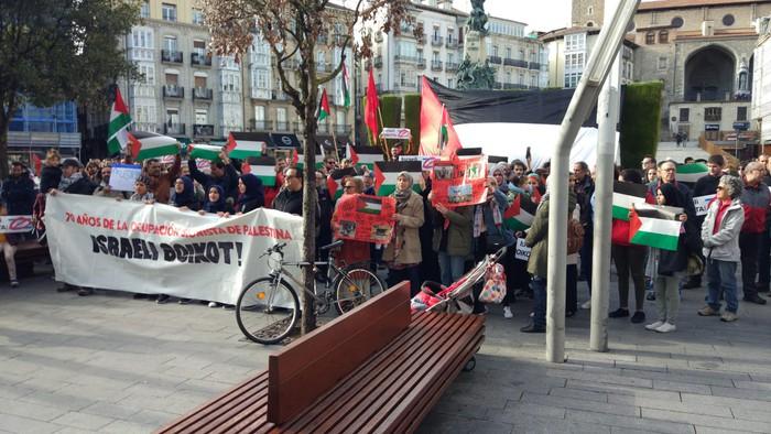 Israeli boikota egitera deitu dute, Palestinaren aldeko elkarretaratzean