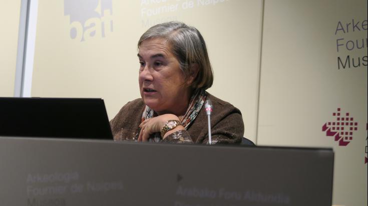 Paquita Saenz de Urturiren ibilbidea saritu du Arkeologiarako Arabar Institutuak