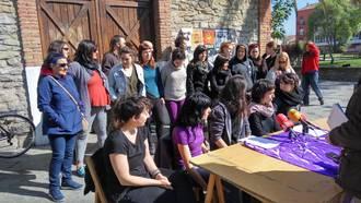Hainbat eraso sexista salatu du mugimendu feministak