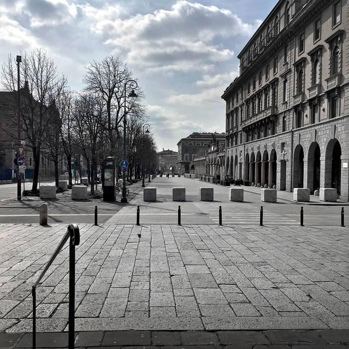 Bergamo hiria hutsik. ROBERTO GUISSANI