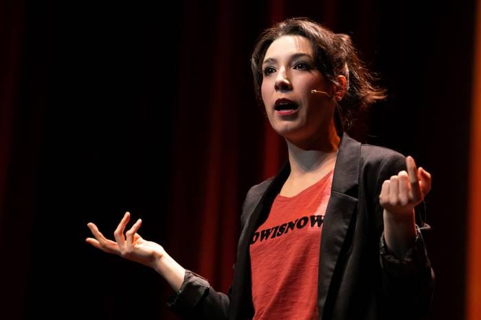 Irri Barra gauak: 'Bikote bila, zenbat komeri!', Alazne Etxeberria